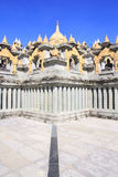 Pagoda dell'arenaria nel PA Kung Temple a Roi Et della Tailandia C'è un posto per la meditazione immagini stock libere da diritti