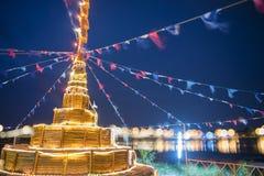 Pagoda della sabbia della costruzione e bokeh del fondo del ponte Fotografie Stock