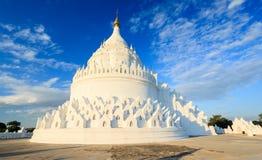 Pagoda di Hsinbyume, Mingun, Mandalay, Myanmar Immagini Stock Libere da Diritti