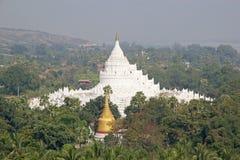 Pagoda di Hsinbyume o pagoda Myanmar di Myatheindan fotografia stock libera da diritti