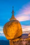 Pagoda di Kyaikhtiyo nel Myanmar Immagine Stock
