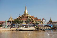 Pagoda di Phaung Daw Oo Immagine Stock Libera da Diritti