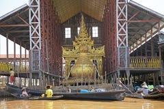 Pagoda di Phaung Daw Oo Immagini Stock