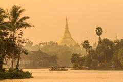 Pagoda di Shwedagon nella città di Rangoon, Birmania Fotografia Stock Libera da Diritti