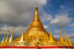 Pagoda di Tachileik Shwedagon Fotografia Stock