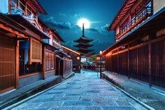 Pagoda di Yasaka e via di Sannen Zaka a Kyoto, Giappone Immagini Stock Libere da Diritti