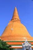 Pagoda do ouro em Tailândia Imagens de Stock Royalty Free