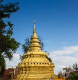 Pagoda dorata in Chiang Mai, Tailandia immagine stock libera da diritti