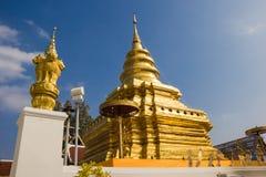 Pagoda dorata in Tailandia. immagine stock libera da diritti