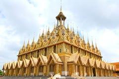 Pagoda dorata a Wat Tha Sung Temple Immagini Stock Libere da Diritti