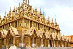 Pagoda dorata a Wat Tha Sung Temple Fotografia Stock