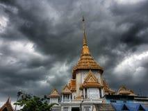 Pagoda dourado de Tailândia Fotos de Stock Royalty Free