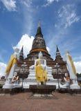 Pagoda e condizione del Buddha immagini stock