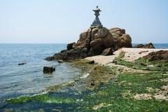 Pagoda e spiaggia Fotografia Stock