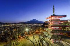 Pagoda ed il monte Fuji di Chureito fuji Immagini Stock