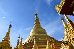 Pagoda en or de Yangon Birmanie Photos stock