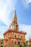 Pagoda en el templo budista o Wat Chalong de Chalong Fotografía de archivo
