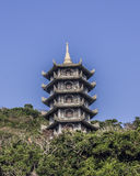 Pagoda en la montaña de mármol Imagenes de archivo