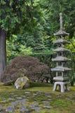 Pagoda en pierre japonaise Photographie stock libre de droits
