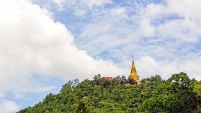 Pagoda en Tailandia septentrional, Wat Phra Phutthabat Tak Pha, Lamphu Imagenes de archivo