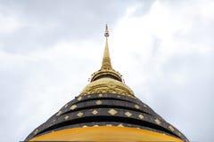 Pagoda en Wat Prathat Lampang Luang Imágenes de archivo libres de regalías