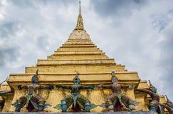Pagoda et géant Image stock
