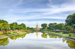 Pagoda géante lointaine Photographie stock