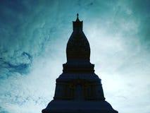 Pagoda i det thailand tempelet royaltyfria bilder