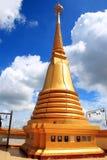 Pagoda i det thailand tempelet Arkivfoto