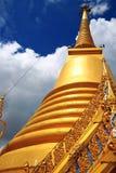 Pagoda i det thailand tempelet Arkivbilder