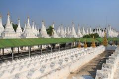 Pagoda Kuthodaw стоковое изображение rf