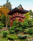 Pagoda nel giardino di tè giapponese Immagini Stock