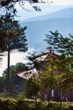 Pagoda nelle montagne vicino a Dalat fotografia stock libera da diritti