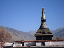 Pagoda noire dans le temple du Thibet Samye Photos stock