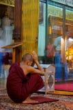 Pagoda Rangoon del monaco fotografie stock libere da diritti