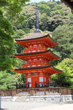 Pagoda rouge dans le temple de Kiyomizu, Kyoto Photographie stock