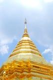 Pagoda tailandese dorato Fotografia Stock