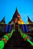Pagoda vieja en crepúsculo imagenes de archivo