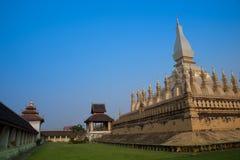 Pagoda Wat Pha-That Luang Vientian Foto de archivo libre de regalías