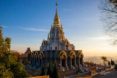Pagoda Wat Santikhiri di Sinakarintra Stit Mahasantikhiri in Doi Mae Salong, Chiang Rai Province, Tailandia del Nord immagini stock