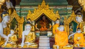 Pagoda Yangon Myanmar de Shwedagon de statues de Bouddha Photographie stock