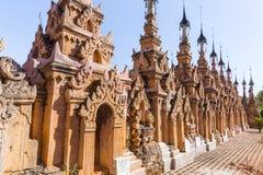Pagodas de Kakku, en Myanmar fotos de archivo