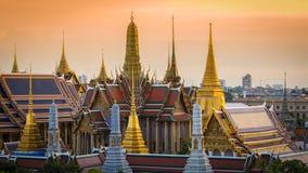 Pagodas de Wat Phra Kaew du palais grand, Thaïlande Image stock