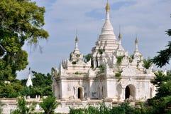 Pagodas en Inwa foto de archivo