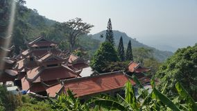 Pagodas en la montaña Fotos de archivo libres de regalías