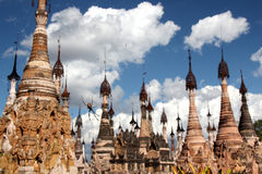 Pagodas et araignée de Kakku Photos libres de droits