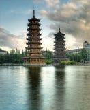 Pagodas no lago fir, Guilin Fotos de Stock