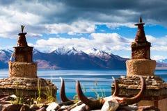 Pagodas in north lake shore of  Tangri Yumco Royalty Free Stock Photography