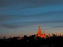 pagodashwedagon yangon Royaltyfri Fotografi