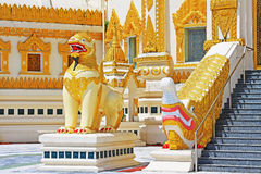Pagode da relíquia do dente da Buda, Yangon, Myanmar Foto de Stock Royalty Free